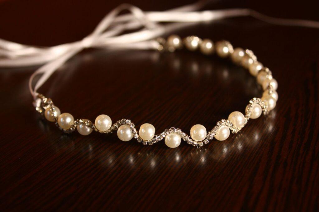 Tocado de perlas